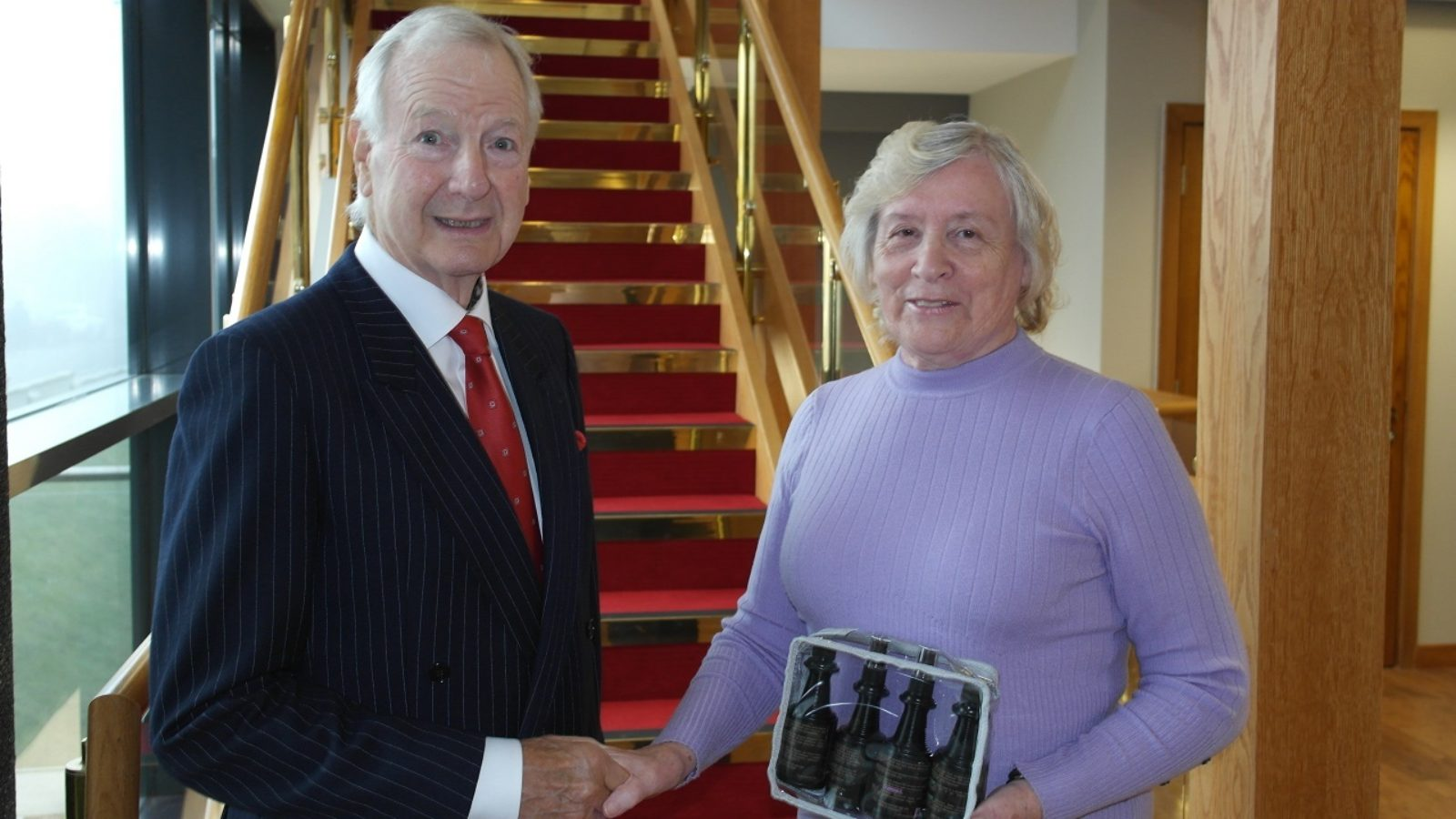 Long-service award gifted to Friends of ANCHOR provides direct support for cancer patients going through hair loss